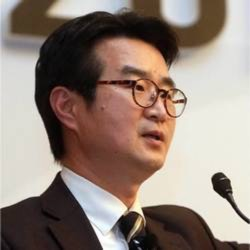 Hyeoksoo Lee